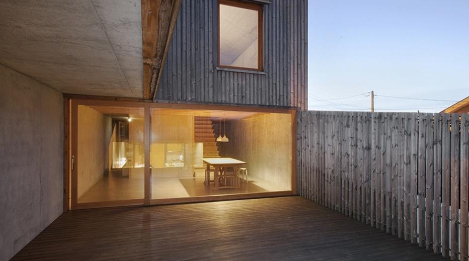 Pr mio nacional de arquitetura em madeira atribu do ao for Casa quinta moderna